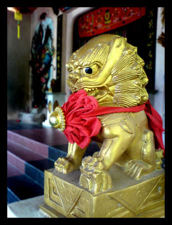 stone lion 01