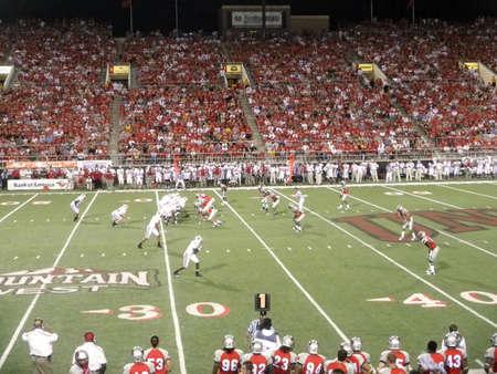 Wisconsin vs. UNLV: Wisconsin lijnen te spelen tegen de University of Nevada. 4 September 2010 op Sam Boyd stadion Las Vegas, Nevada genomen.