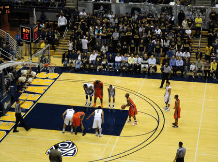 cal: BERKELEY, CA - JANUARY 27: Cal Vs. Oregon State - Oregon state Player set to shoot free throw at the Haas Pavilion taken January 27, 2011 Berkeley California.  Editorial