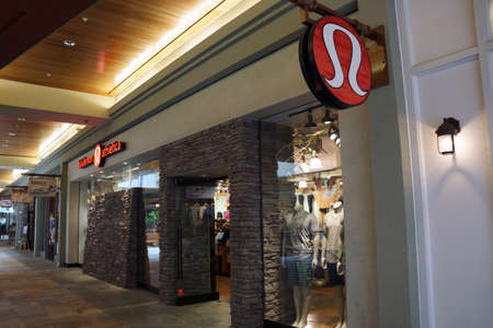 HONOLULU - AUGUST 7, 2014: Lululemon Store Exterior And Sign.. Stock ...