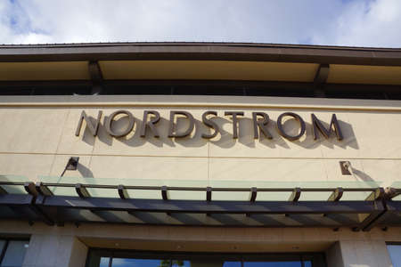 HONOLULU - AUGUST 7, 2014:  : Nordstrom department store sign  at the Ala Moana Center, Nordstrom is a major clothing retailer on August 7, 2014. 新聞圖片