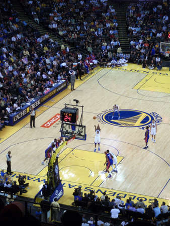 oakland: OAKLAND - NOVEMBER 15: Golden State Warriors Dorell Wright takes free throw shot during game at the Oracle Arena in Oakland, California on November 15 2010.