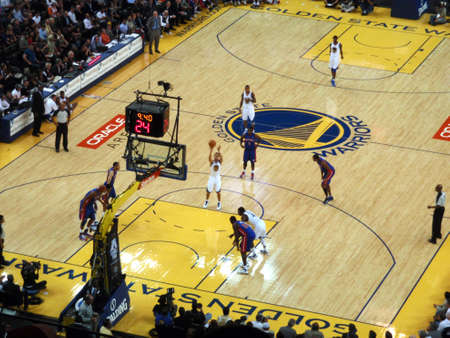 pistons: OAKLAND - NOVEMBER 15: Golden State Warriors Player Stephen Curry shoots free throw shot against the Pistons at the Oracle Arena in Oakland, California on November 15 2010.