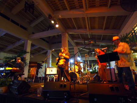 keith: HONOLULU, HI -  JULY 4: Guidance Band featuring Keith Batlin singing and jams on stage at Mai Tai Bar in Ala Moana Shopping Center on July 4 2016, Honolulu, Hawaii. Editorial
