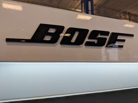 Honolulu - September 7, 2018: Bose Logo on Display inside a Best Buy. Bose Corporation is a privately held American corporation, based in Framingham, Massachusetts, that designs, develops and sells audio equipment. Redactioneel