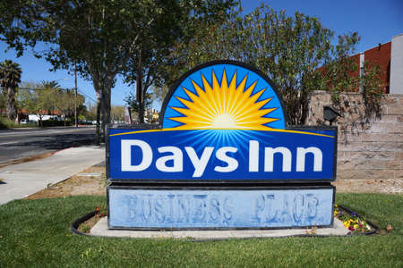 San Jose - March 29, 2015: Days Inn San Jose Airport - Sign. Days Inn is a hotel chain headquartered in the United States. It was founded in 1970 by Cecil B. Day, with the first location opening in Tybee Island, Georgia. The brand is now a part of the Wy Redactioneel