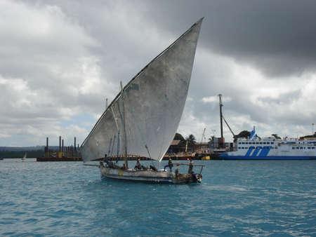 zanzibar: Dhow sailing in Zanzibar