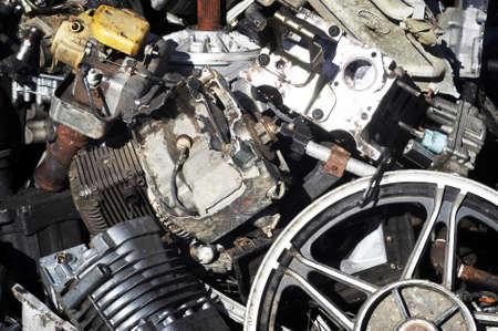 metallschrott: Motoren- & -St�ck-Metall bereit f�r ReCycling  Lizenzfreie Bilder