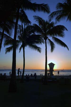 Sunset @ Waikiki Beach on Oahu, Hawaiian Islands Stock Photo - 7463940