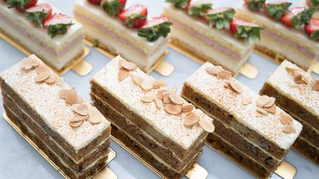 fruitcake: Pineapple and strawberry fruitcake slices