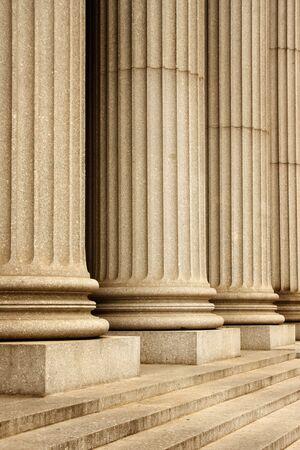 Kolommen van het Supreme Court building - New York City, Verenigde Staten Stockfoto