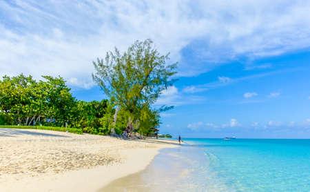 Seven Mile Beach by the Caribbean sea, Grand Cayman, Cayman Islands Stock Photo