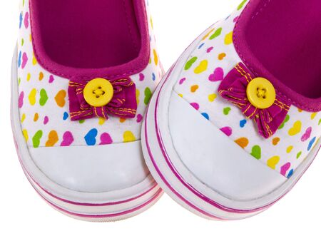 young girl feet: Kids shoes tips