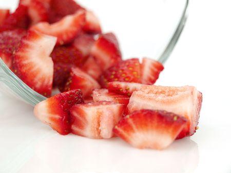 さいの目に切ったイチゴ