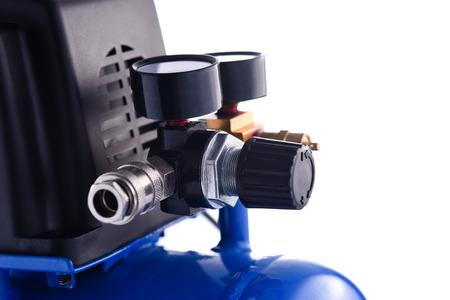 compresor: Mini azul de presión del compresor detalles de calibre aislados sobre fondo blanco