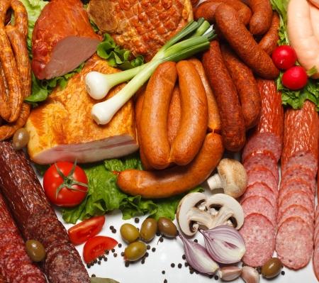 embutidos: Mont�n de diversos carnicero productos Pentecost�s hortalizas frescas