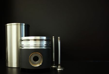 Liner, piston and valves photo