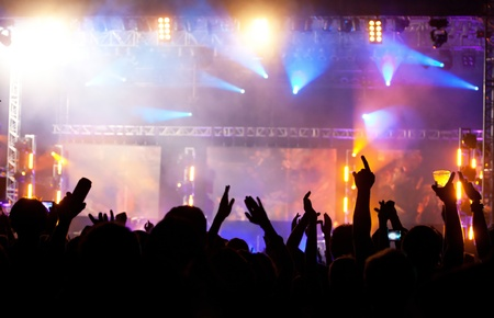 rock concert: Multitud en concierto