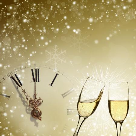 Vintage Hintergrund mit Champagner-Gläser und Uhr Lizenzfreie Bilder