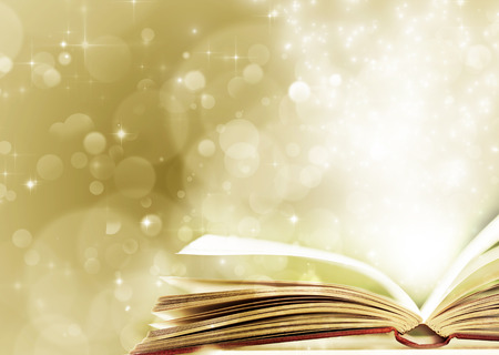 libros abiertos: Navidad de cuento de hadas. Fondo de Navidad con libro m�gico