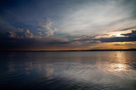 Panoramic view of beautiful Lake Garda in the sunset 版權商用圖片