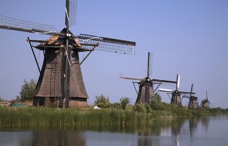wind force: Dutch windmills in Kinderdijk 8
