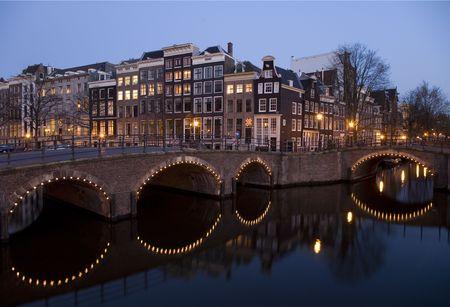 dutch canal house: Amsterdam night 8 Stock Photo