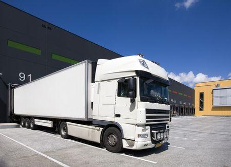 Loading Docks Standard-Bild - 5083992