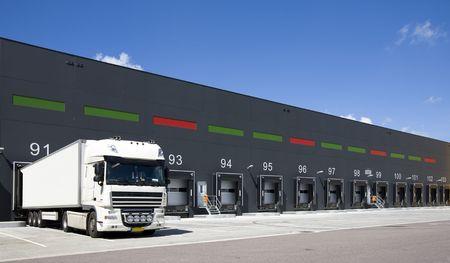 loading: Loading docks