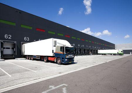Loading Docks Standard-Bild - 5149890