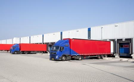 carga: Muelles de carga Foto de archivo