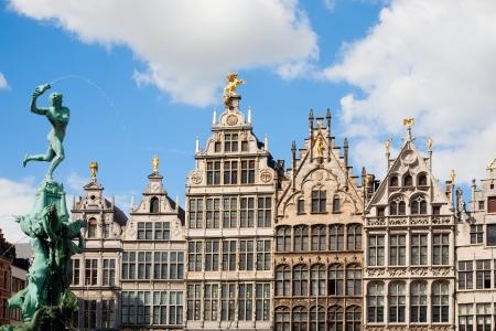 Grote Markt in Antwerpen Standard-Bild - 25244697