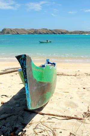 Fishermen's boot op Tanjung 'Aan het strand, Lombok Stockfoto