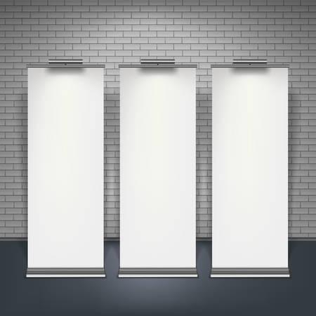 Blank roll up banners geplaatst geïsoleerd over bakstenen muur, vector illustratie. Stock Illustratie