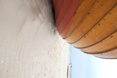 해변에서 보트 선체