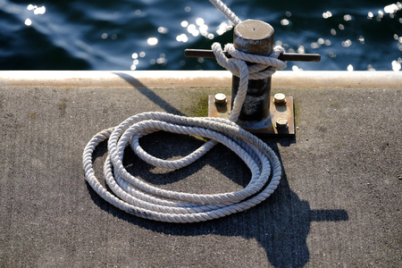 Rope with bollard on the jetty