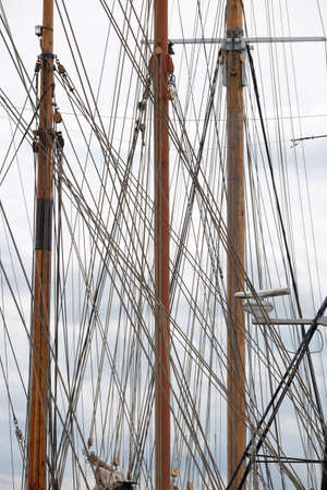 Rigging with wooden sailing masts