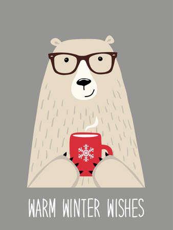 Süße retro handgezeichnete Weihnachtskarte als lustiger Hipster Bär mit heißem Kakao und Zitat Warme Winterwünsche ideal als Poster