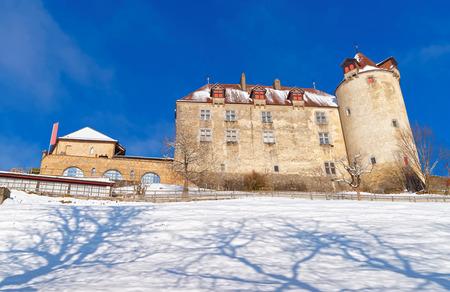 mediaval: Famoso castillo medieval de Gruy�res ubicados en la ciudad medieval de Gruy�res, Friburgo, Suiza. Es un sitio del patrimonio suizo de importancia nacional y da nombre al queso conocido