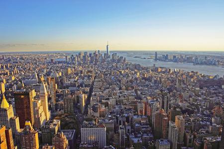 Veduta aerea da ponte Osservatorio dell'Empire State Building a Manhattan del centro e Lower Manhattan, New York, Stati Uniti d'America. Archivio Fotografico