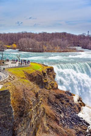 american falls: Niagara Falls viewed by tourists from the American side. A view on American Falls