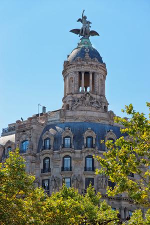 modernisme: La Union y el Fenix Espanol Building in Passeig de Gracia in the Eixample district in Barcelona, Spain.