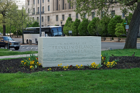 near death: Original memorial of Franklin Delano Roosevelt is located in Washington D.C., USA. It was opened in 1965, 20 years after his death. It is located near the Archives Building as his wish.