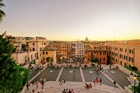 spagna: Rome, Italy - August 28, 2012: Tourists at Spanish Steps at Square of Spain in Rome, the capital of Italy. It is also called Piazza di Spagna. Editorial