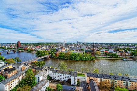 Panoramic view on Bridges over Main River of the Southern par of Frankfurt am Main. It is the largest city in the Hesse state of Germany. Standard-Bild