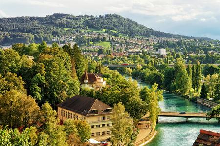 Bern, Switzerland - August 31, 2016: Bern city landscape with Aare River Swiss, Bern-Mittelland district, Switzerland. Banque d'images