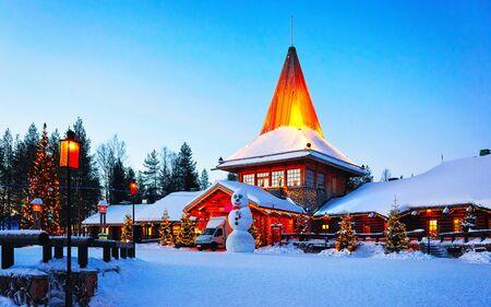 Schneemann Santa Büro im Santa Village Rovaniemi Lappland neu