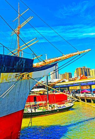 Fragment of Ship in harbor of South Street Seaport reflex 版權商用圖片