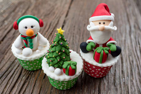 Christmas theme cup cake and ginger bread