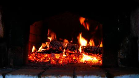 Wood-burning in the russian stove